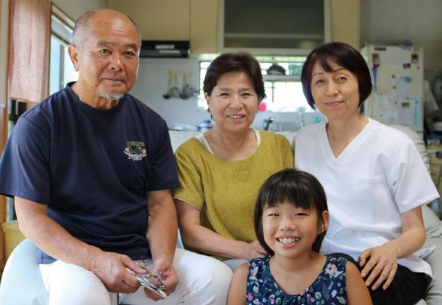 柴田さんご家族と今泉さん